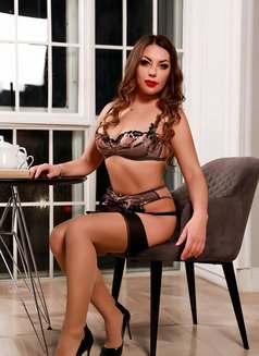 Lisa shemale - Transsexual escort in Moscow Photo 8 of 17