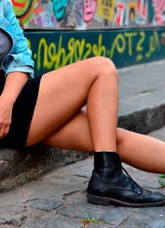 Lola Hipster ♡ Vip escorts Buenos Aires - companion in Frankfurt Photo 10 of 30