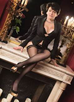 Lolaexclusive - escort in Paris Photo 4 of 6