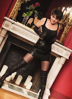 Lolaexclusive - escort in Paris Photo 6 of 6