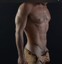 Louis - Male escort in Cannes