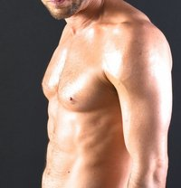 Louis French XL - Male adult performer in Paris Photo 3 of 5