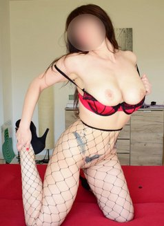 Louise Real Photos - escort in Bucharest Photo 5 of 15