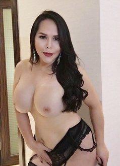 Lucie Ts - Transsexual escort in Beijing Photo 4 of 9
