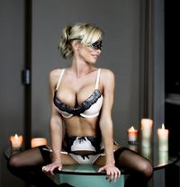 Lucylake - escort in Vancouver