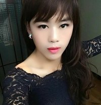 Lulu will arrive in Shanghai February19 - Transsexual escort in Shanghai Photo 1 of 14