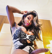 Luly Brazil - Transsexual escort in London Photo 1 of 21