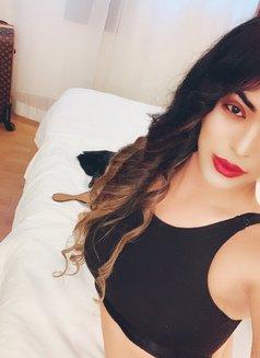 Luxe Xxl Top - Transsexual escort in Dubai Photo 3 of 4