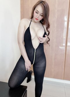 Lyly - escort in Dubai Photo 16 of 24