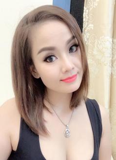 Lynh - escort in Hanoi Photo 5 of 6