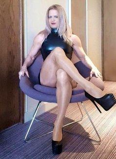 Madam Mysteria - dominatrix in London Photo 6 of 12