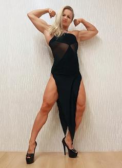 Madam Mysteria - dominatrix in Tel Aviv Photo 3 of 12
