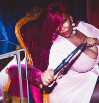 Madame Caramel - dominatrix in Abu Dhabi Photo 9 of 11