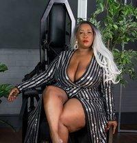 Madame Caramel - dominatrix in Amsterdam Photo 1 of 7