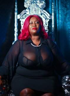 Madame Caramel - dominatrix in Barcelona Photo 2 of 9