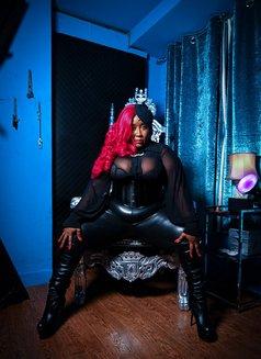 Madame Caramel - dominatrix in Barcelona Photo 4 of 9