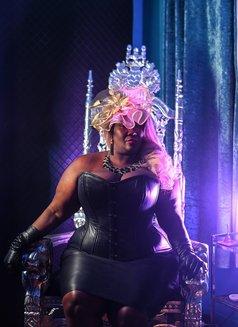 Madame Caramel - dominatrix in Barcelona Photo 8 of 9