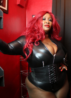 Madame Caramel - dominatrix in Athens Photo 10 of 11