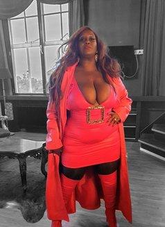 Madame Caramel - dominatrix in Lisbon Photo 1 of 11