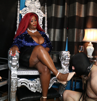 Madame Caramel - dominatrix in Milan