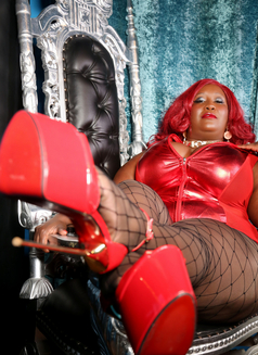 Madame Caramel - dominatrix in Milan Photo 9 of 11