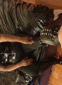 Madame Darkness - dominatrix in Ocho Rios Photo 16 of 18