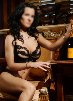 Madelyn Fabray ~ World-class Companion - escort in Montreal Photo 2 of 7
