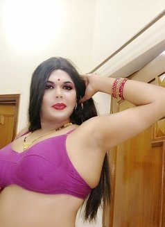 Madhu Randi - escort in New Delhi Photo 4 of 30