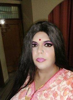 Madhu Randi - escort in New Delhi Photo 8 of 30