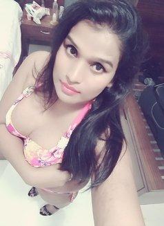 Mahima Kashyap - Transsexual escort in Mumbai Photo 3 of 5