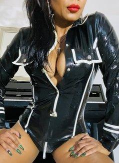Mistress Geneva - dominatrix in Geneva Photo 12 of 29