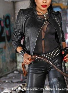 Mistress Geneva - dominatrix in Geneva Photo 14 of 29