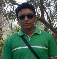 Male - Male adult performer in Kolkata