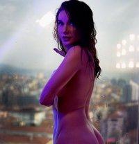 Mari̇a Russian vip - escort in İstanbul Photo 5 of 8