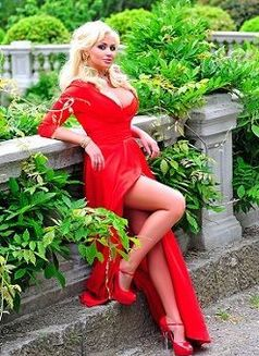 Mari - escort in Moscow Photo 6 of 7