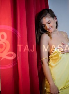 Maria all natural nude Tantra - masseuse in Madrid Photo 8 of 9