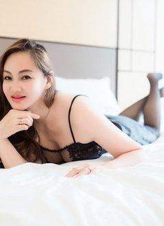 Maria - escort in Shanghai Photo 5 of 6