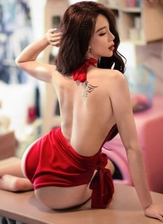 young and sexy lady nancy - escort in Dubai Photo 5 of 12