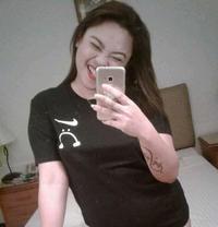 Maris Cruz - escort in Makati City