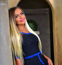 Masha - escort in Paris