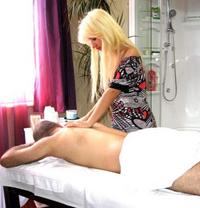 Massage Julia&Johana - masseuse in Seoul