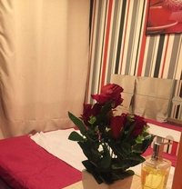 Massage Ponthieu - masseuse in Paris