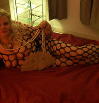 Mature Lady Expecting for You - escort in London