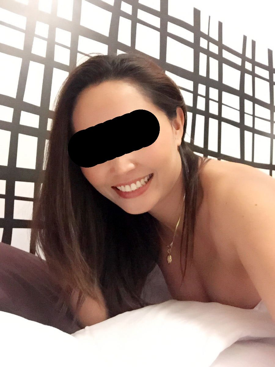 Chatterom thai mature escort