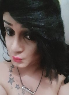 Maya - Transsexual escort in Colombo Photo 14 of 15