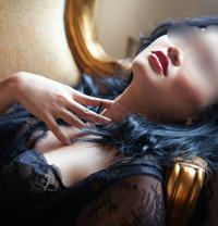 Melizsa Lee - escort in Paris
