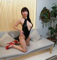 Mia Diamond Shine - escort in Bucharest