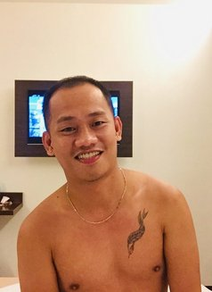 Miguel - Male escort in Makati City Photo 6 of 6
