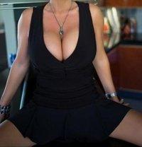Last day s Milf Natasha anal - escort in Dubai
