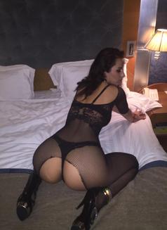 Mili independent - escort in Dubai Photo 15 of 18